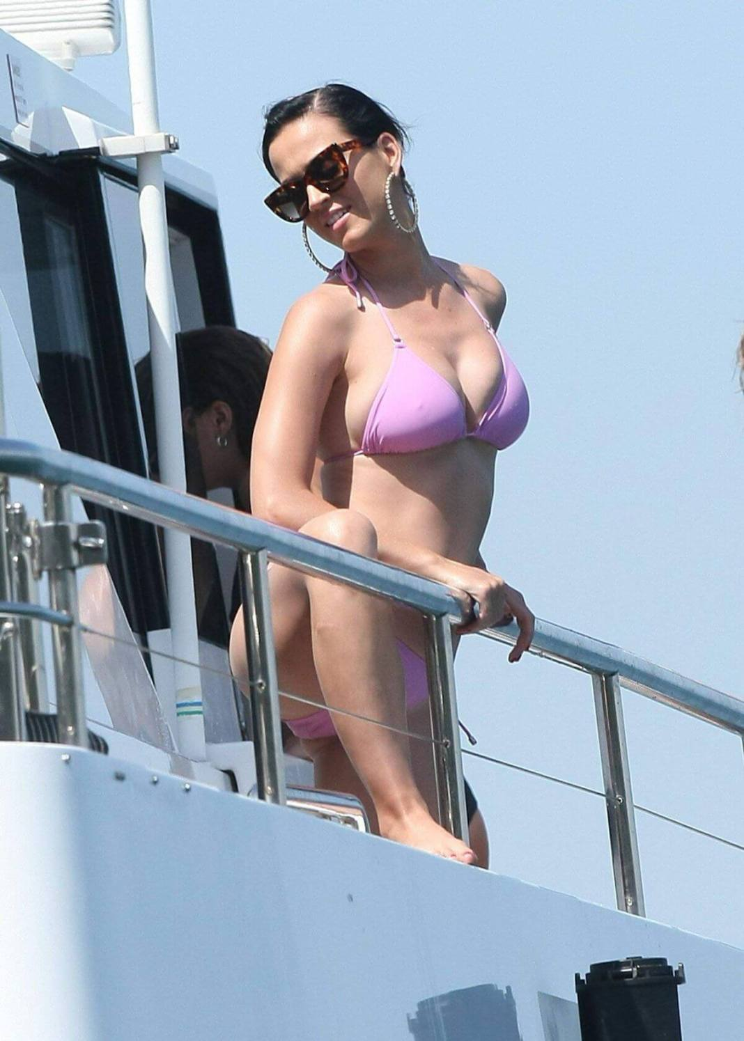 Hottest Singer Katy Perry Bikini Pictures 2020