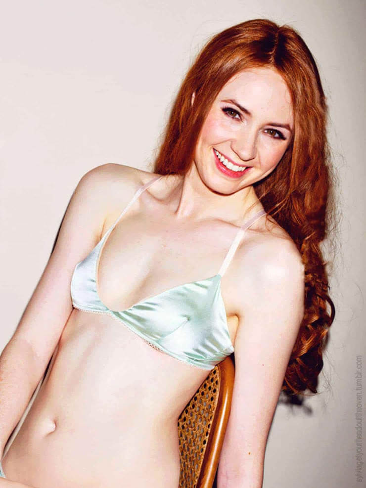 sexy karen gillan bikini photo